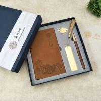 东方韵古铜笔记本红木签字笔古铜书签书扣四件套送朋友企业定制